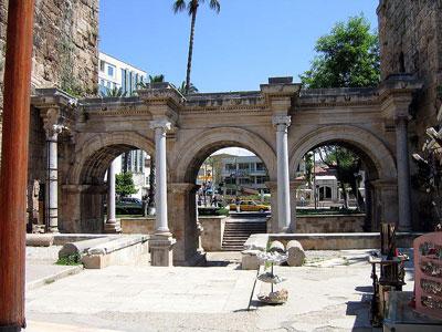 Puerta de Adriano Foto